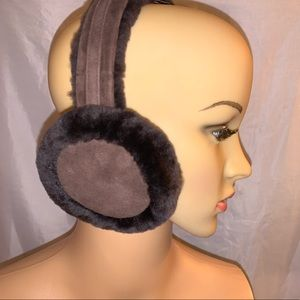 NIB UGG AUSTRALIA brown shearling wired EAR MUFFS